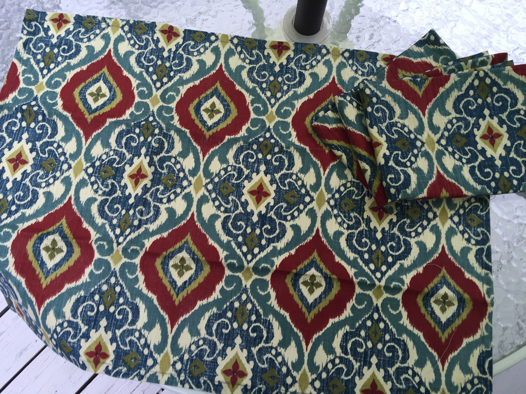 Decorative towel featuring arabesque designs in dark red, blue and green. (TWL-003)